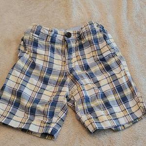 Gap boys shorts in size 5